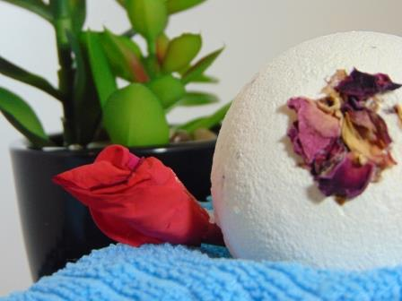 Make Your Own Amazing Bath Bomb!