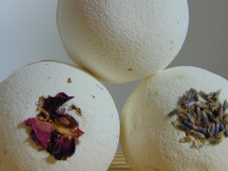 natural bath bomn collection